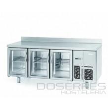 Mesa refrigerada con puertas de cristal y luz led 2000
